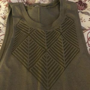 Gold design muscle tank
